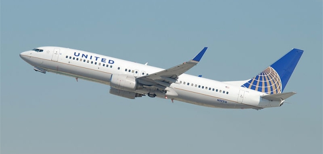 800px-United_Airlines_Boeing_737-800;_N12216@LAX;10.10.2011_622ge_(6414422745).jpg